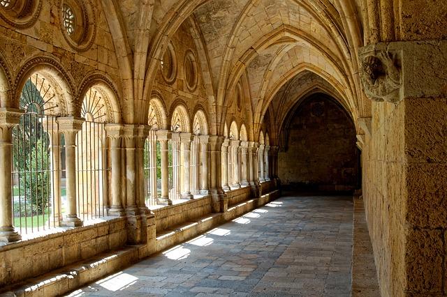 podloubí kláštera