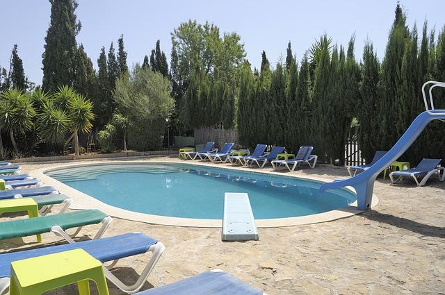 venkovní bazén.jpg